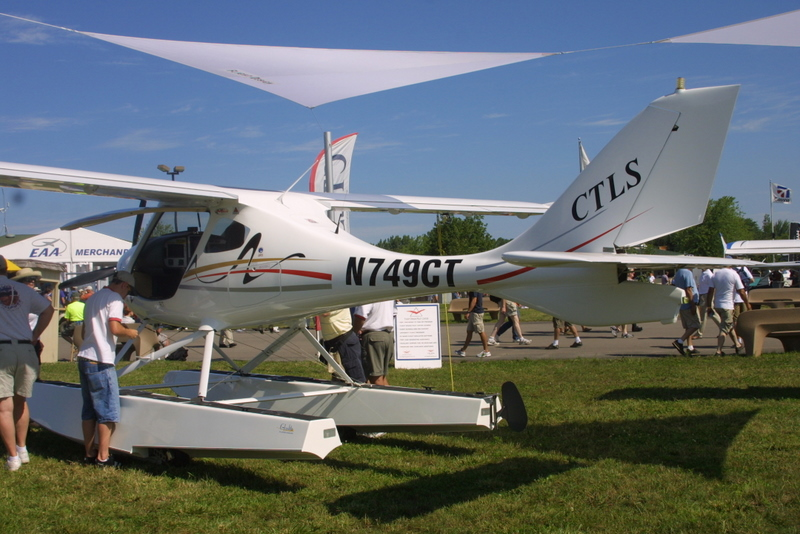 Flight Designs CTLS on Claymar amphibious floats